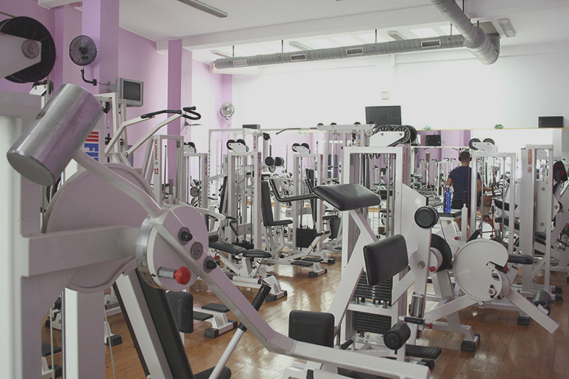 Actividades gimnasio almassora celvic for Gimnasio musculacion
